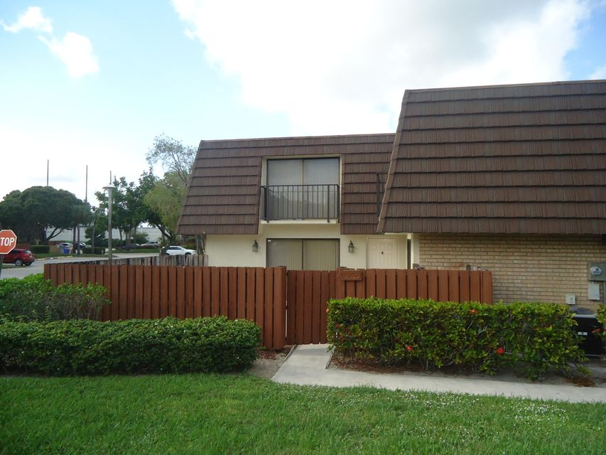 7207 72nd Way  West Palm Beach, FL 33407
