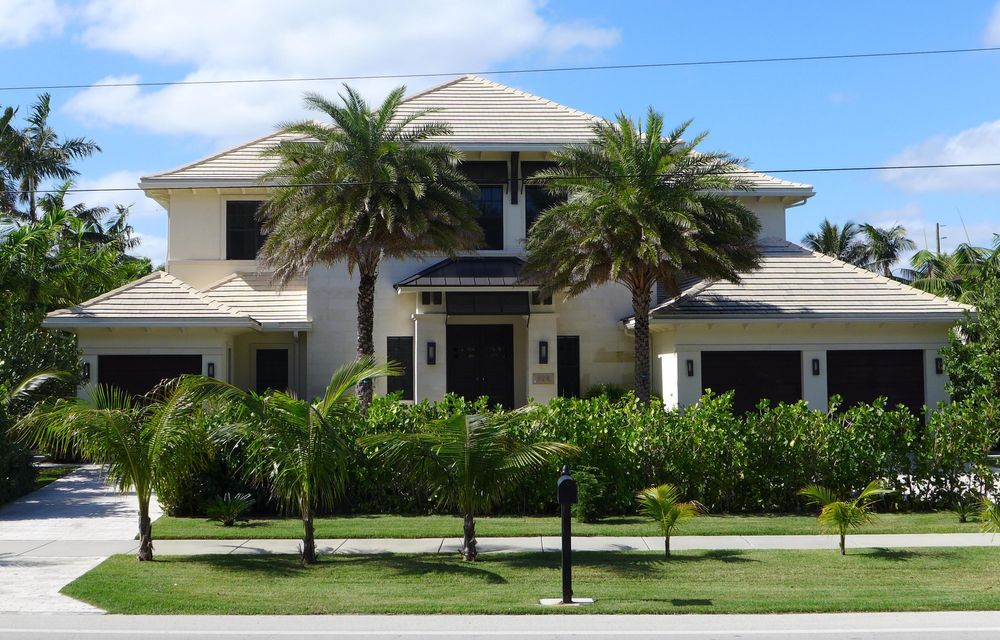 Single Family Home for Sale at 924 S Ocean Boulevard 924 S Ocean Boulevard Delray Beach, Florida 33483 United States