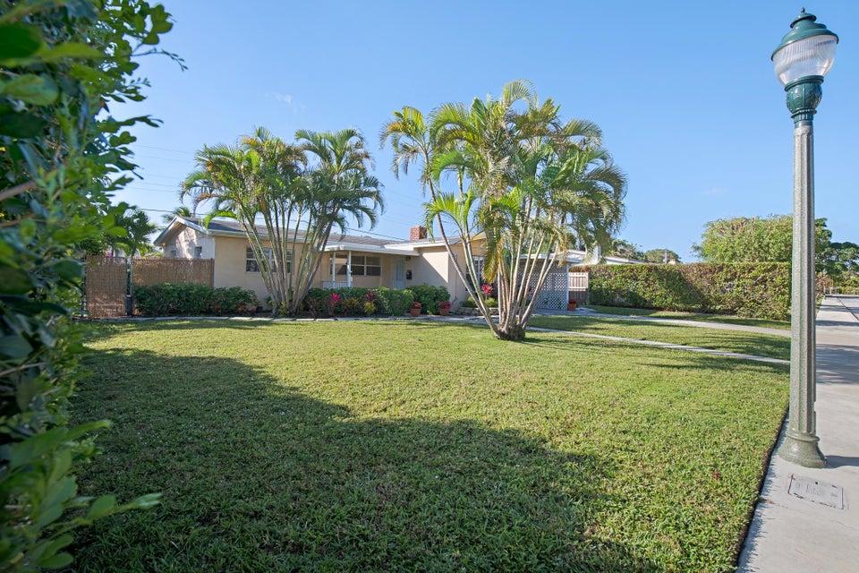 252 Rutland Boulevard West Palm Beach, FL 33405 photo 2