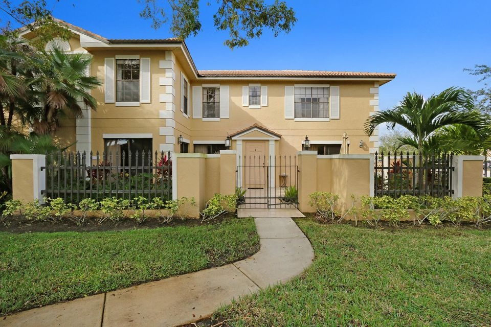 390 Prestwick Circle 1 , Palm Beach Gardens FL 33418 is listed for sale as MLS Listing RX-10396781 20 photos