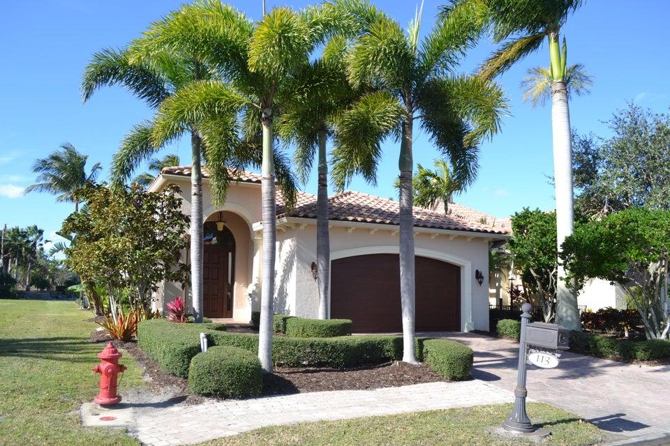 独户住宅 为 销售 在 113 SE Rio Palermo 113 SE Rio Palermo Port St. Lucie, Florida 34984 United States