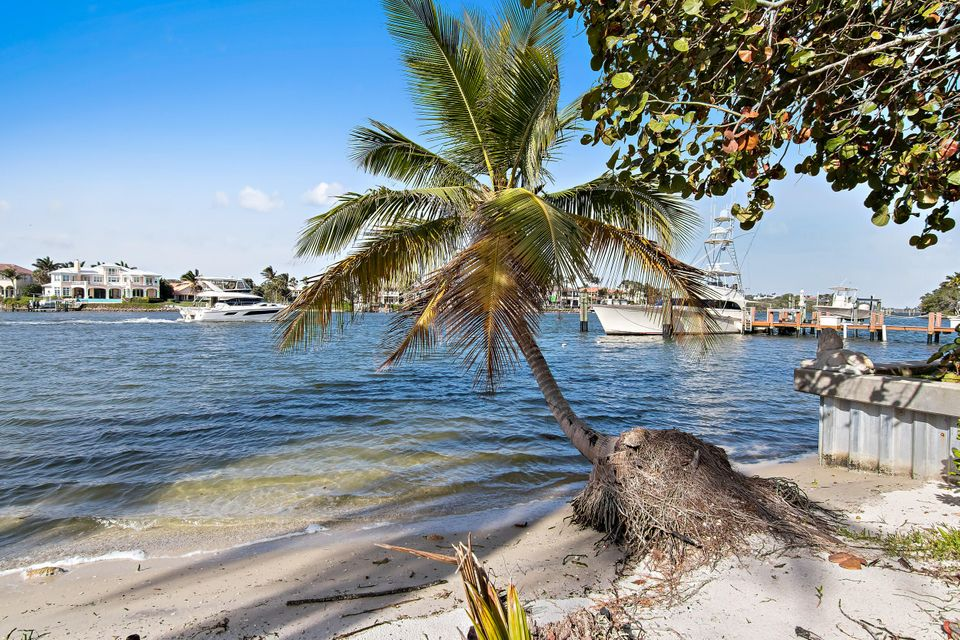 482 S Beach  , Hobe Sound FL 33455 is listed for sale as MLS Listing RX-10394339 photo #32