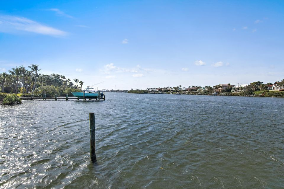 482 S Beach  , Hobe Sound FL 33455 is listed for sale as MLS Listing RX-10394339 photo #39