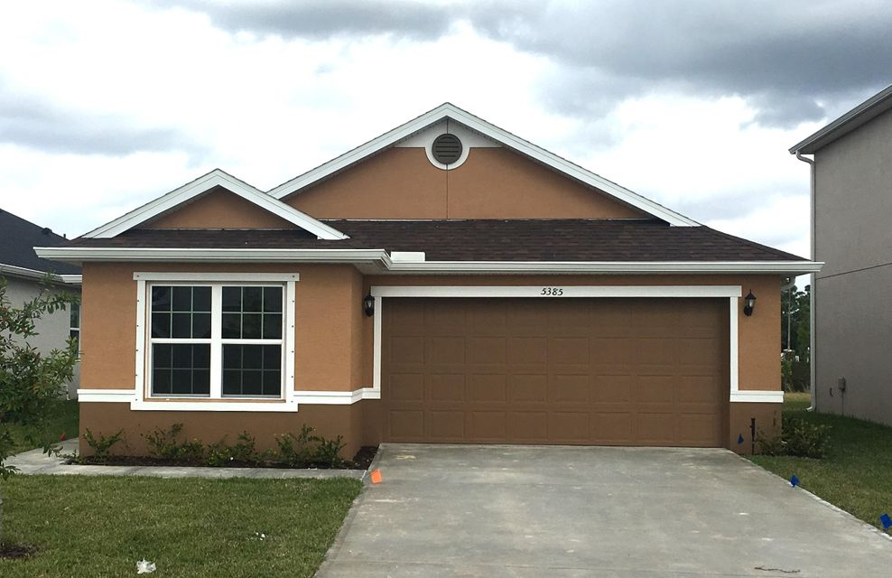 5385 NW Pine Trail Circle  Port Saint Lucie FL 34983