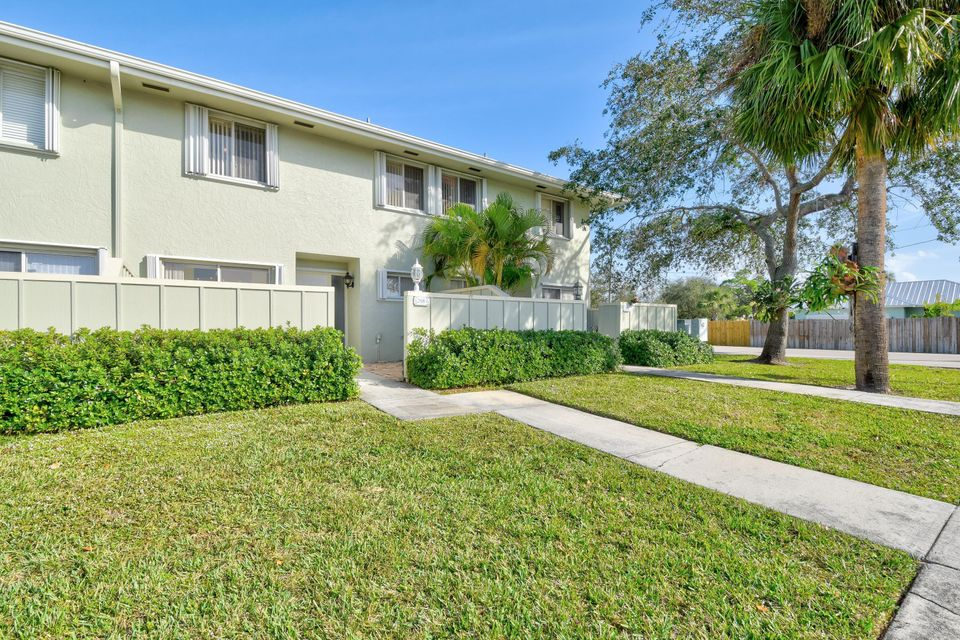 6288 Riverwalk Lane 6 , Jupiter FL 33458 is listed for sale as MLS Listing RX-10386893 48 photos