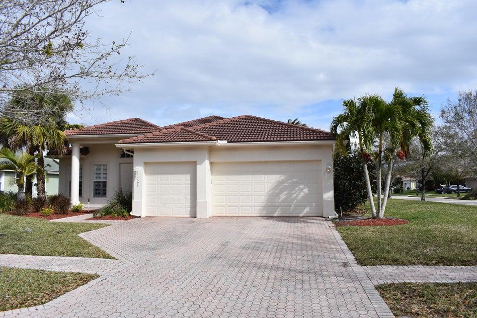 Частный односемейный дом для того Продажа на 4595 SW La Paloma Drive 4595 SW La Paloma Drive Palm City, Флорида 34990 Соединенные Штаты