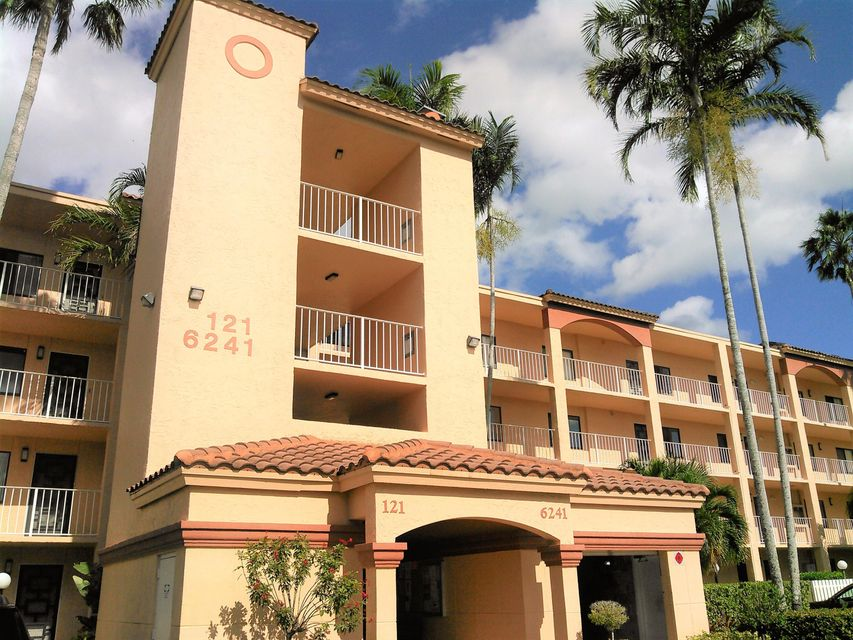 HUNTINGTON POINTE home 6241 Pointe Regal Circle Delray Beach FL 33484