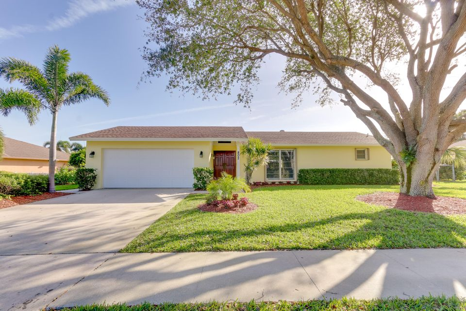 Single Family Home for Sale at 802 W Patrick Circle West Palm Beach, Florida 33406 United States
