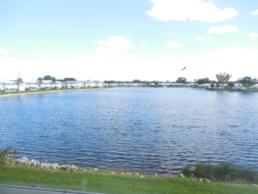LEISUREVILLE home 1116 Lake Terrace Boynton Beach FL 33426