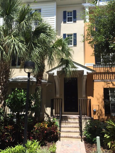Townhouse for Rent at 314 E Mallory Circle # 314 314 E Mallory Circle # 314 Delray Beach, Florida 33483 United States