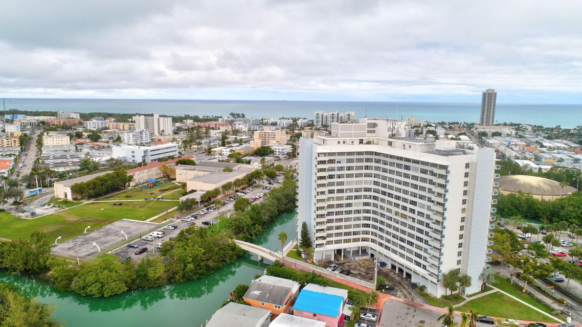 Home for sale in PARKVIEW POINT CONDO Miami Beach Florida