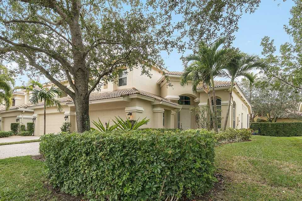711 Cable Beach Lane , Palm Beach Gardens FL 33410 is listed for sale as MLS Listing RX-10394586 22 photos