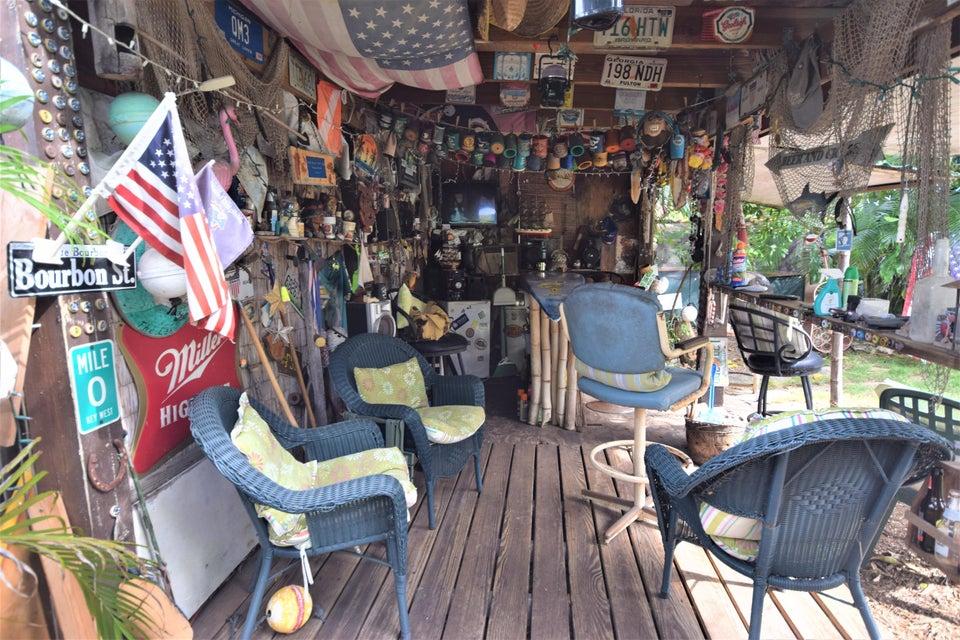 1611 NE 2nd Avenue Delray Beach, FL 33444 photo 2