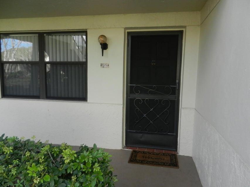 7666 Tahiti Lane 104  Lake Worth, FL 33467