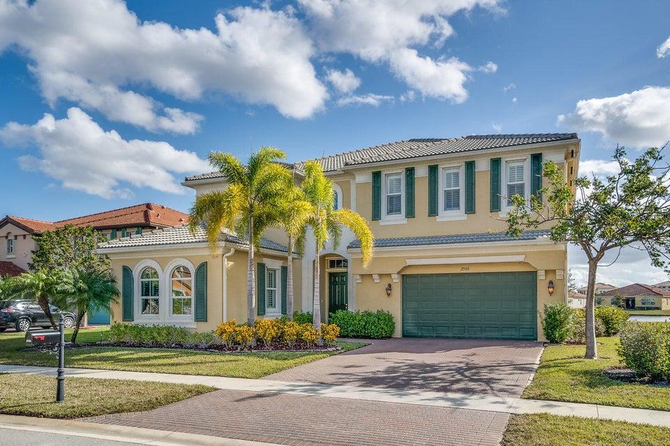 2540 Vicara Court  Royal Palm Beach, FL 33411