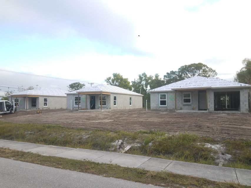 Single Family Home for Sale at 4827 SE Isabelita Avenue 4827 SE Isabelita Avenue Stuart, Florida 34997 United States