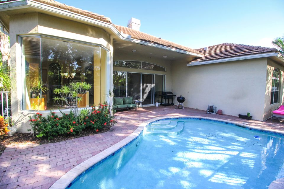 8245 Butler Greenwood Drive Royal Palm Beach, FL 33411 photo 3