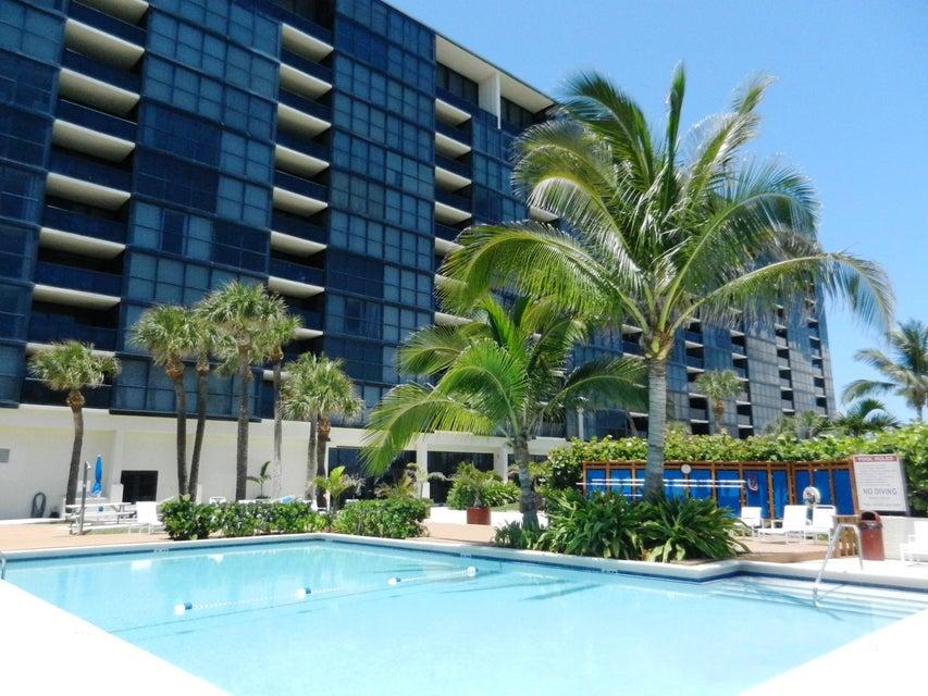 Condominio por un Venta en 10410 S Ocean Drive # 405 10410 S Ocean Drive # 405 Jensen Beach, Florida 34957 Estados Unidos