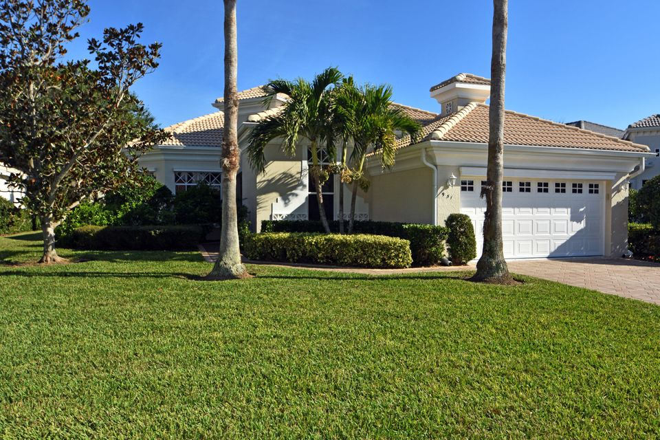 951  Island Club Square is listed as MLS Listing RX-10397818 with 42 pictures