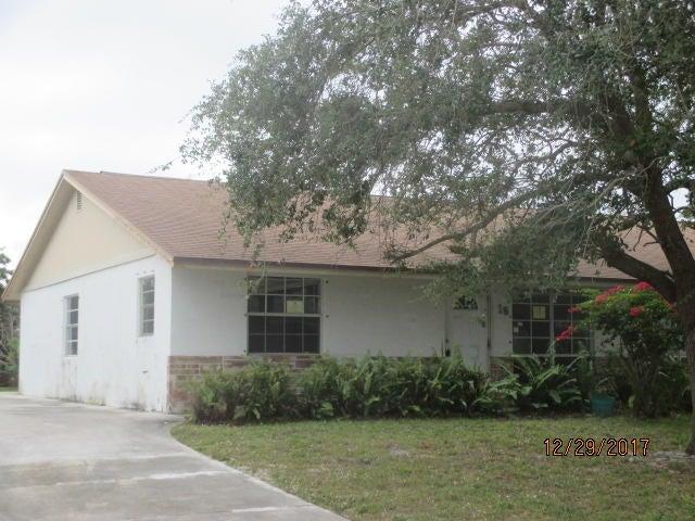 Villa for Sale at 16 SE Norfolk Boulevard Stuart, Florida 34997 United States