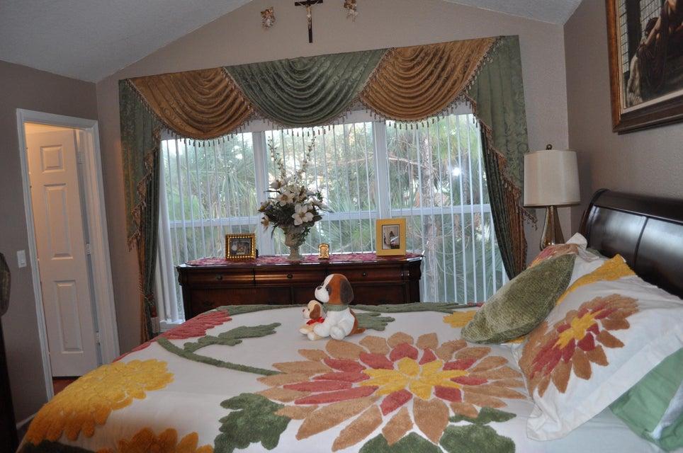 1046 Woodfield Road West Palm Beach, FL 33415 photo 4