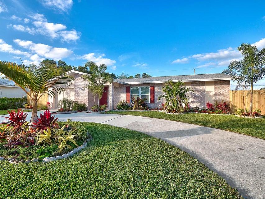 421 Greenbriar Drive  West Palm Beach, FL 33403