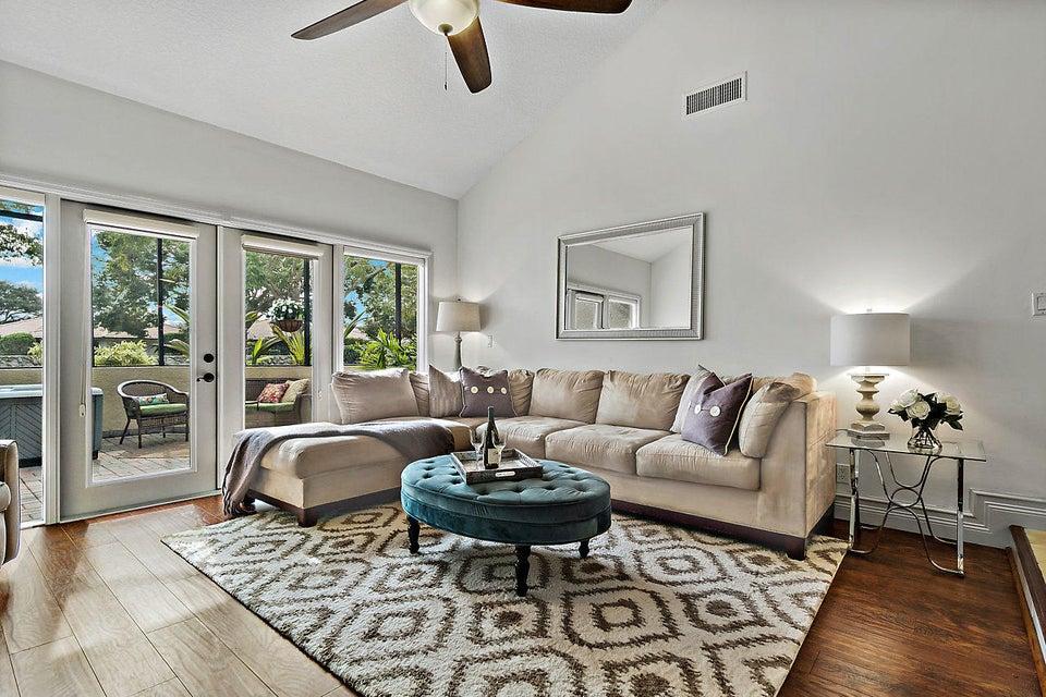 39 Balfour Road Palm Beach Gardens,Florida 33418,3 Bedrooms Bedrooms,2.1 BathroomsBathrooms,A,Balfour,RX-10398063