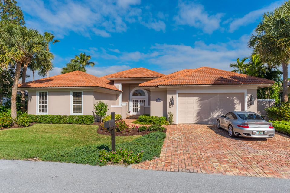 Single Family Home for Sale at 8791 SE Water Oak Place 8791 SE Water Oak Place Tequesta, Florida 33469 United States