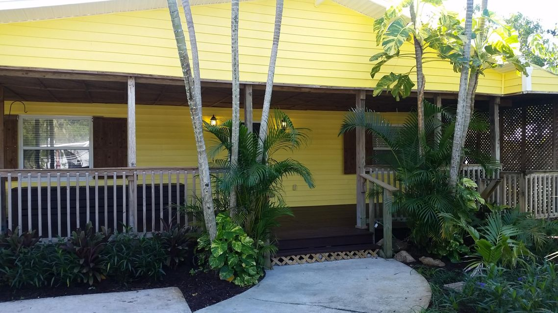 Single Family Home for Sale at 1735 18th Street Vero Beach, Florida 32960 United States