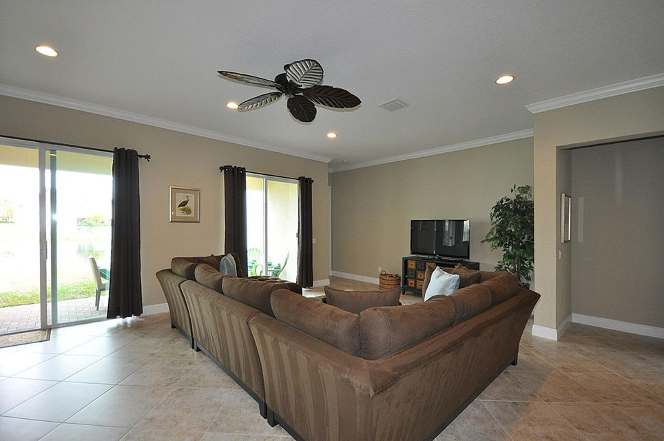 8192 Butler Greenwood Drive Royal Palm Beach, FL 33411 small photo 7