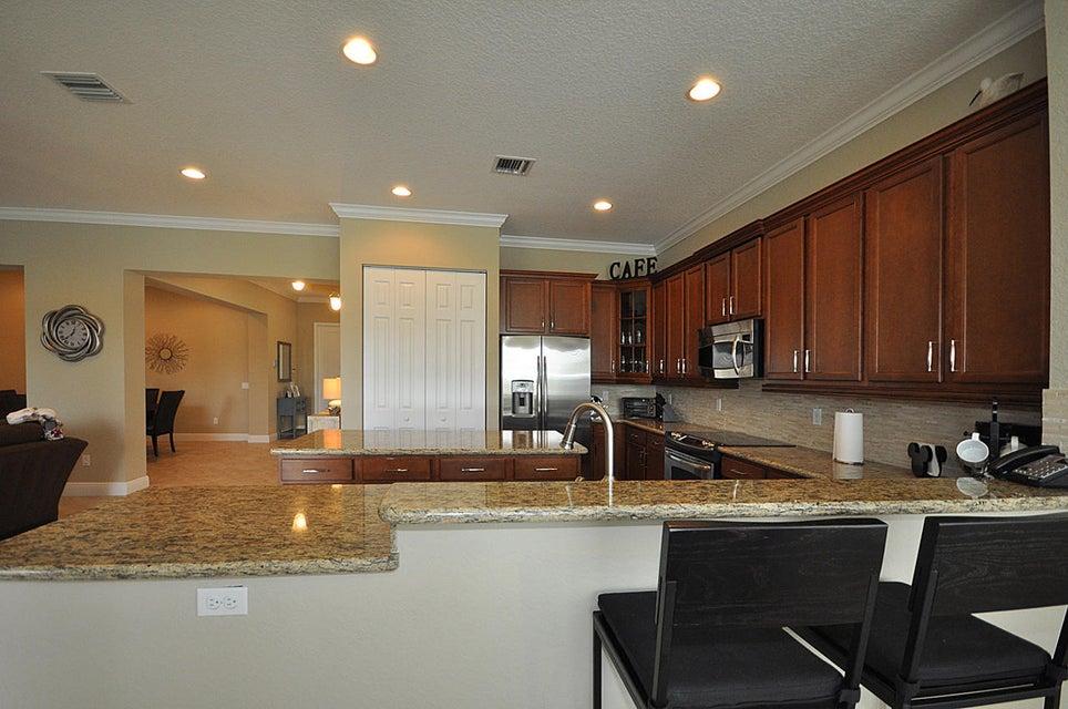 8192 Butler Greenwood Drive Royal Palm Beach, FL 33411 photo 11