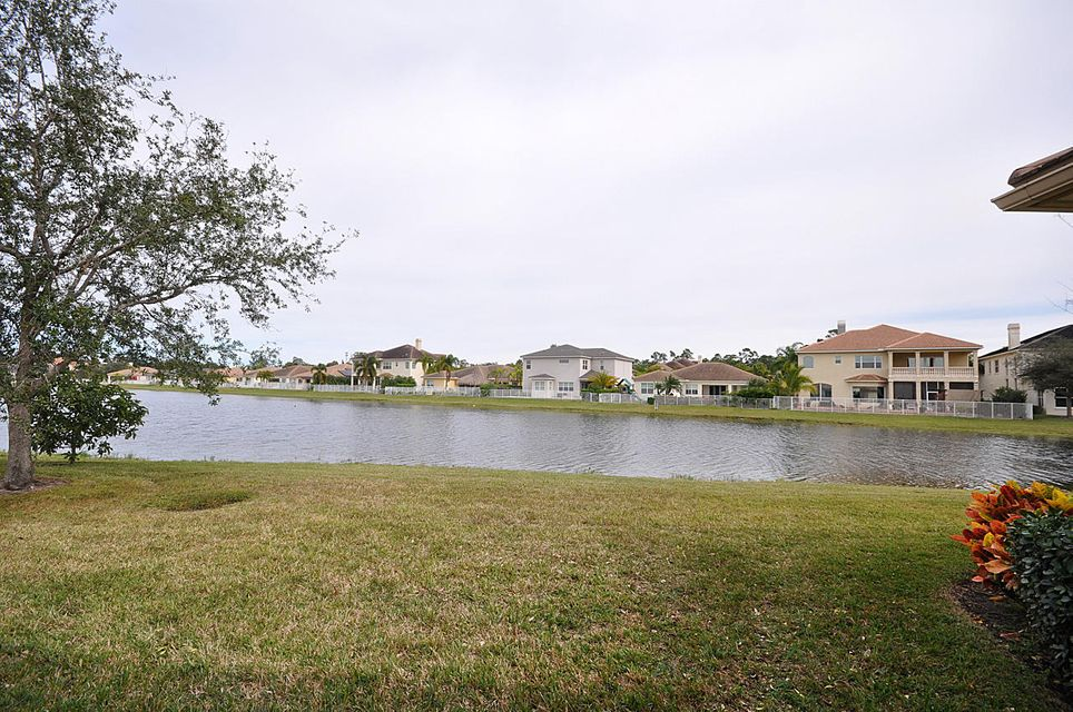 8192 Butler Greenwood Drive Royal Palm Beach, FL 33411 small photo 26