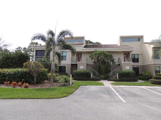 共管式独立产权公寓 为 销售 在 13252 NW Harbour Ridge Boulevard # 2 13252 NW Harbour Ridge Boulevard # 2 Palm City, 佛罗里达州 34990 美国