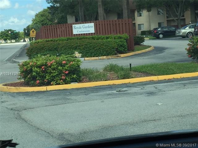 共管式独立产权公寓 为 销售 在 7921 Southgate Boulevard # D1 7921 Southgate Boulevard # D1 North Lauderdale, 佛罗里达州 33068 美国