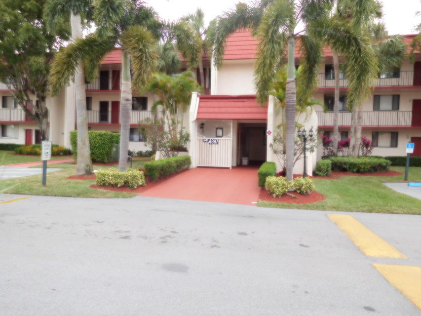 4387 Trevi Court 304  Lake Worth FL 33467