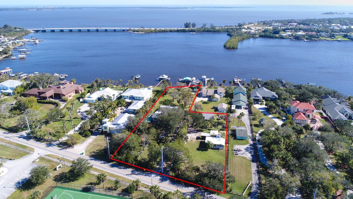 Single Family Home for Sale at 9660 Riverview Drive 9660 Riverview Drive Micco, Florida 32976 United States