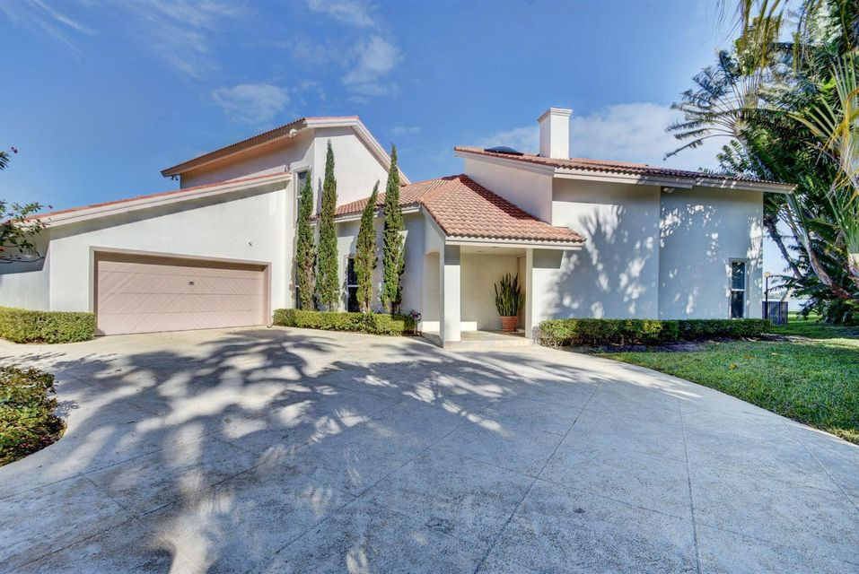 4 Woodbrook Circle  West Palm Beach, FL 33401