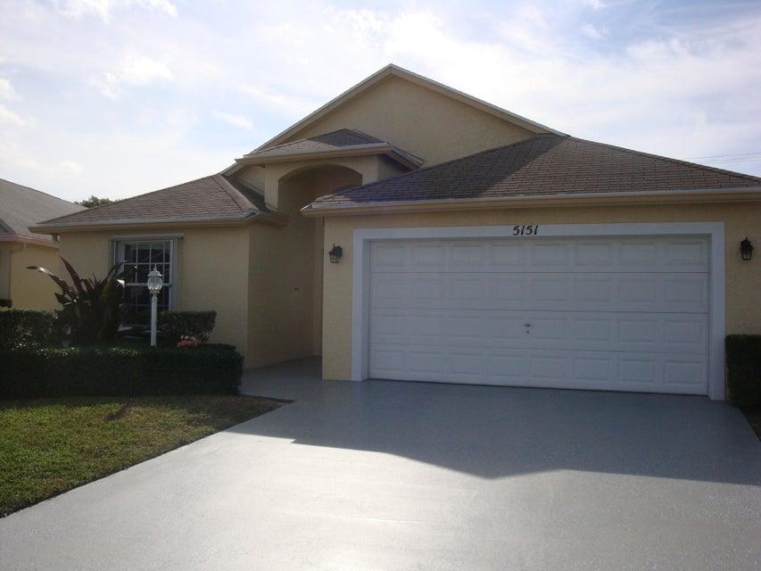 5151 Robino Circle West Palm Beach, FL 33417 photo 2