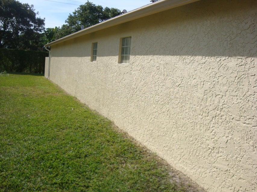 5151 Robino Circle West Palm Beach, FL 33417 photo 5