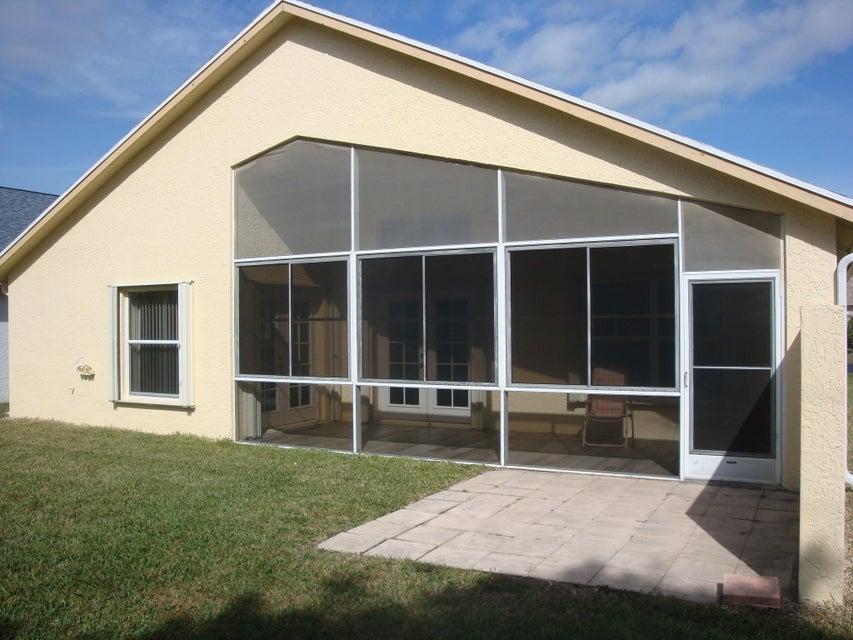 5151 Robino Circle West Palm Beach, FL 33417 photo 6