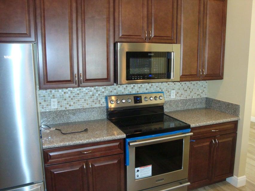 5151 Robino Circle West Palm Beach, FL 33417 photo 19