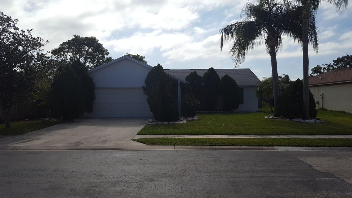 150 Arrowhead Circle  Jupiter FL 33458