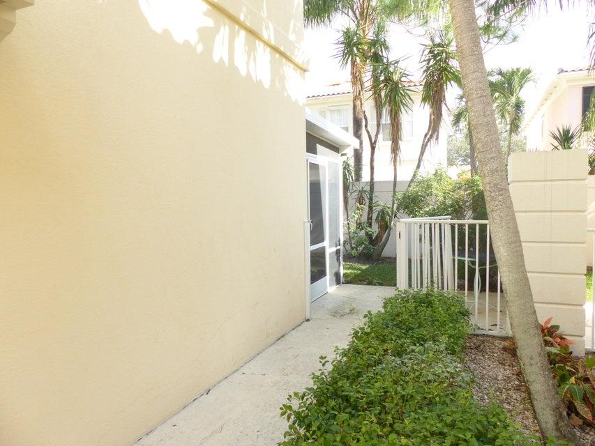 2082 Tarpon Lake Way West Palm Beach, FL 33411 photo 18