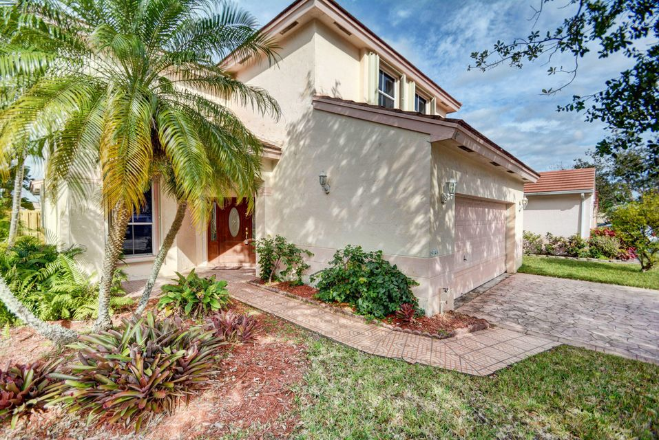 Single Family Home for Sale at 19143 NW 19th Street 19143 NW 19th Street Pembroke Pines, Florida 33029 United States