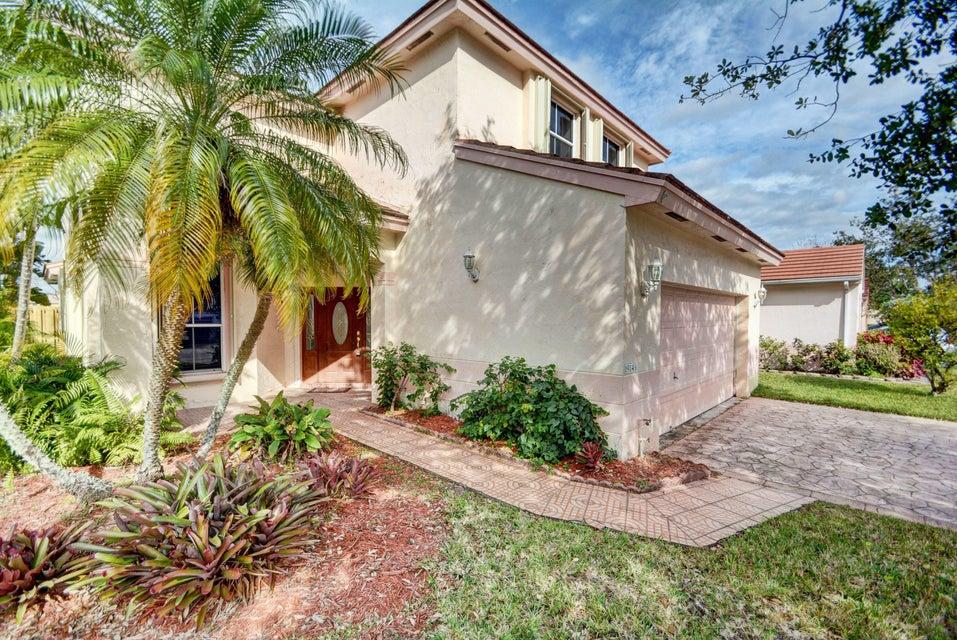 Casa Unifamiliar por un Venta en 19143 NW 19th Street 19143 NW 19th Street Pembroke Pines, Florida 33029 Estados Unidos