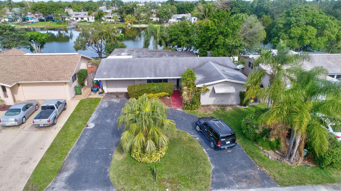 Single Family Home for Sale at 8111 NW 13th Street 8111 NW 13th Street Pembroke Pines, Florida 33024 United States