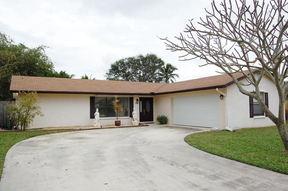 Single Family Home for Sale at 126 Chapel Lane 126 Chapel Lane Tequesta, Florida 33469 United States