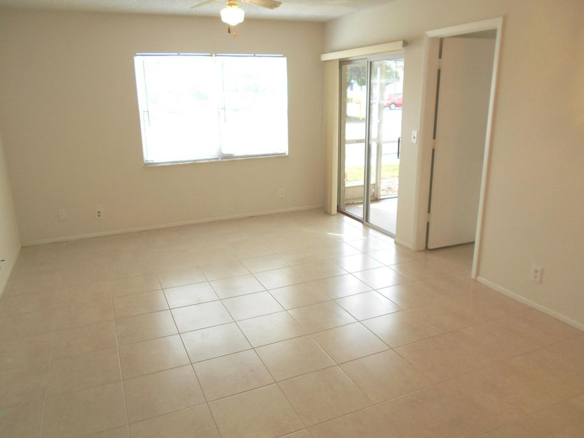 Additional photo for property listing at 1524 SE Royal Green Circle 1524 SE Royal Green Circle Port St. Lucie, Florida 34952 États-Unis