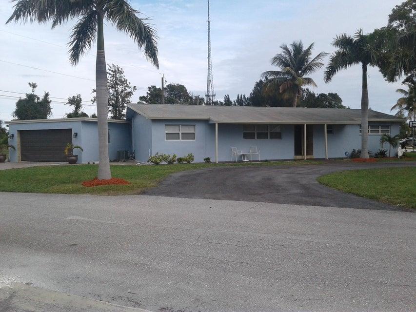 5500 Lakeshore Drive  West Palm Beach, FL 33407