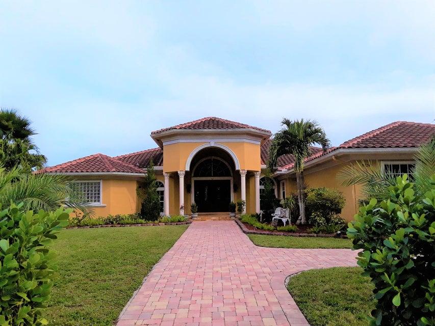 Casa Unifamiliar por un Venta en 12381 NW 11th Street 12381 NW 11th Street Plantation, Florida 33323 Estados Unidos